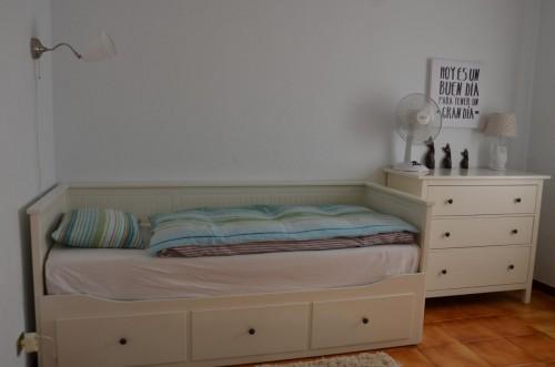 Jugendzimmer im OG mit ausziehbarem Sofabett