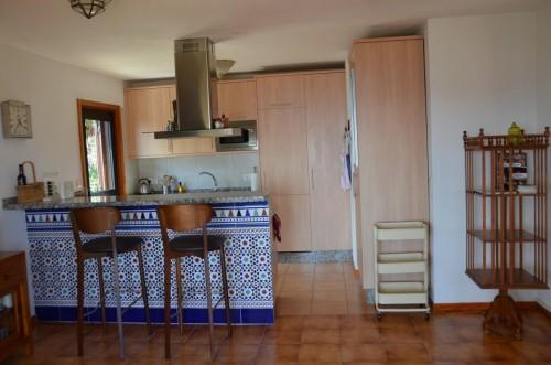Küche mit Ausgang in den oberen Garten