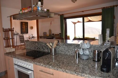 Küche mit Ausgang auf die Veranda